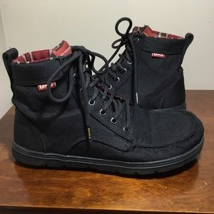 Lem's black Boulder Boot minimalist hiking boot 10